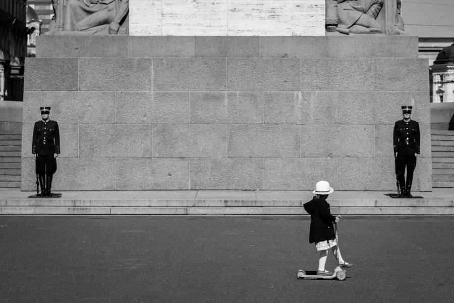 Brīvības Piemineklis' (The Freedom Monument) guards